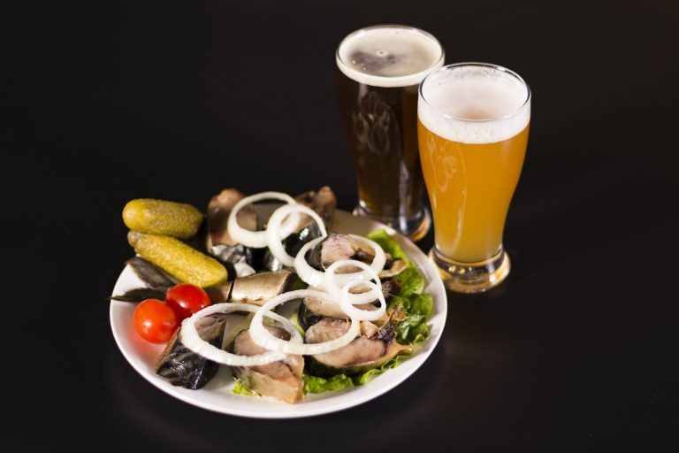 birra artigianale pesce piatto