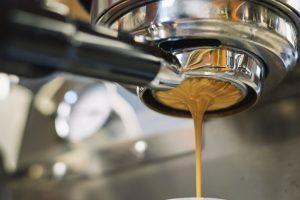 birra e caffè macchina