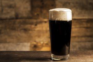 birra e patatine birre scure