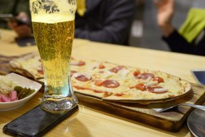 birre artigianali alla spina e pizza