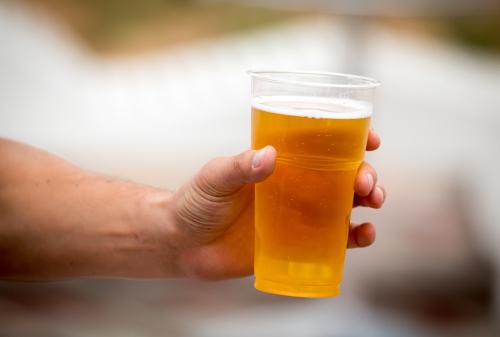 bicchiere per birra plastica