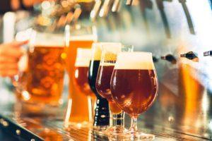 bicchieri di birra alla spina